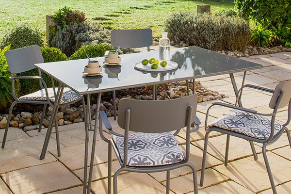 Table de jardin 2018
